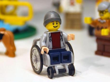 lego-city-wheelchair